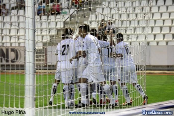 Equipo celebrando un gol