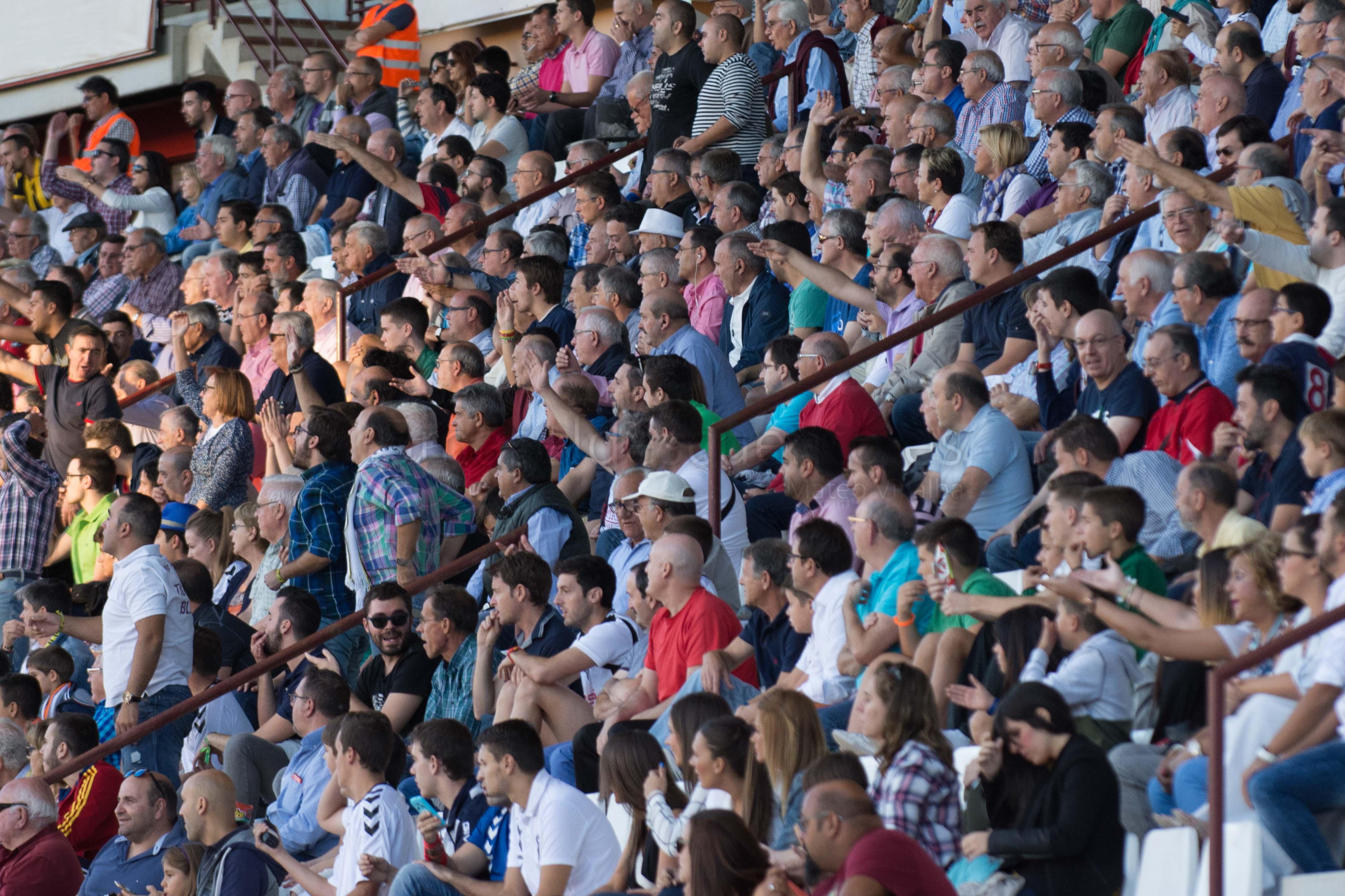 Este domingo se celebrará  el día de las peñas del Albacete Balompié  cb68692874614