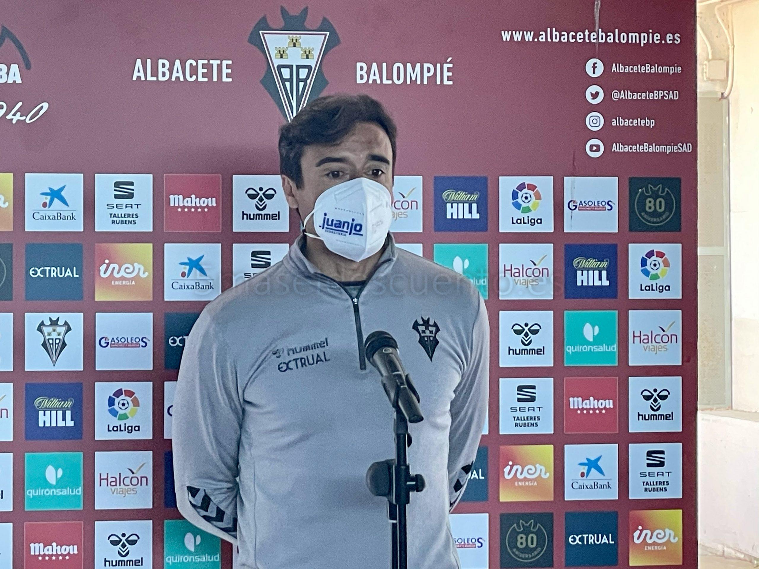 Fran Noguerol en sala de prensa previa a un partido del Albacete. Hugo Piña
